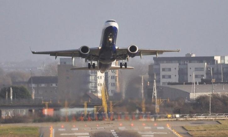 Назван худший лондонский аэропорт в сфере международных перевозок