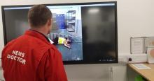 NHS введет проверку по видеосвязи для пациентов, вызывающих скорую помощь