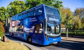 автобус Bluestar