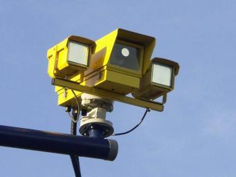 Камеры на дорогах Великобритании угрожают частной жизни
