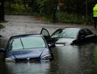 Жертвами наводнений в Великобритании стали шесть человек