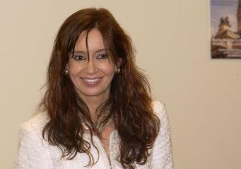 Глава Аргентины обвинила США и Британию в политике двойных стандартов