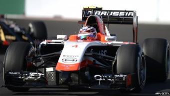 гоночный болид Marussia