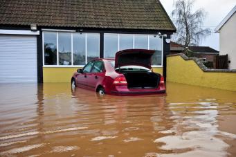 Наводнение в Великобритании могло вызвать глобальное потепление