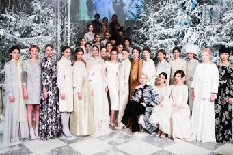 Англичанок научат вязать оренбургские платки