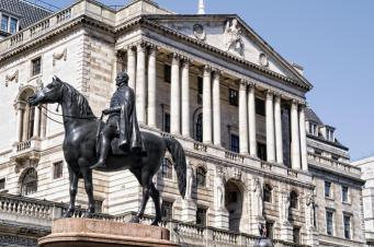 """Банк Англии давит на """"дочь"""" ВТБ"""