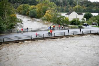 река вышла из берегов в Уэльсе