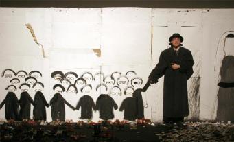 Режиссер Дмитрий Крымов представим Opus No 7 британским зрителям