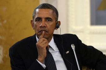 Популярность Барака Обамы упала вдвое
