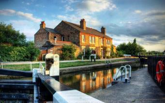 Цены на жилье в Великобритании продолжают расти