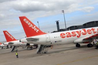 самолеты авиакомпании EasyJet