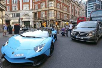 суперкар в Лондоне