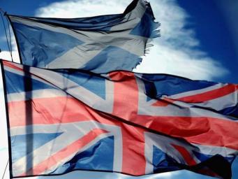 Юнион Джек и флаг Шотландии