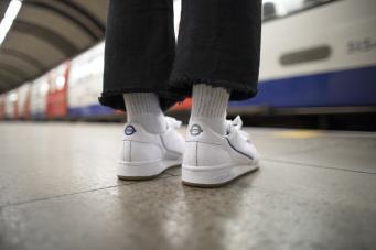 кроссовки Adidas в дизайне TfL