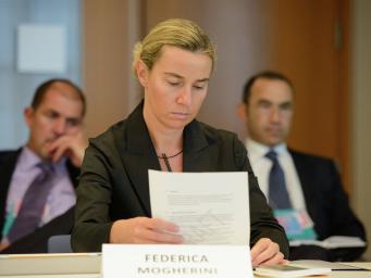 Некоторые страны Евросоюза против преемницы Кэтрин Эштон в лице главы МИД Италии