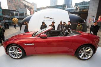 презентация Jaguar на Пекинском автосалоне