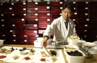 Минздрав Англии сделает китайские методики официальными