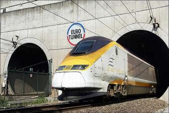 Движение поездов под Ла-Маншем прервано из-за пожара