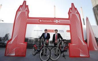 Презентация велосипедов с ливреей Santander