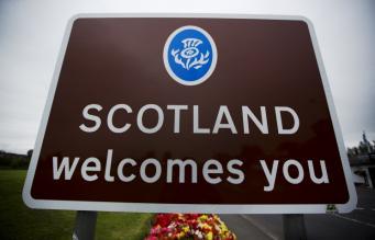 Контрольно-пропускной пункт между Шотландией и Англией