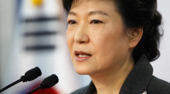 Пак Кын Хе извинилась за трагедию парома «Сэволь»