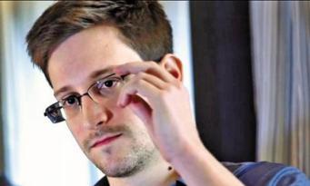 Британские власти угрожают закрыть газету The Guardian из-за материалов Сноудена