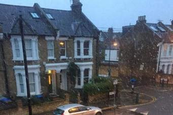 Первый снег в Лондоне 2015