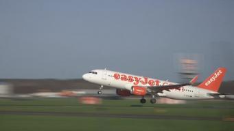 самолет  в ливрее EasyJet