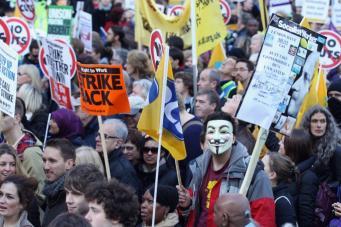 Великобритани: Госслужащие будут участвовать в 24-часовой забастовке