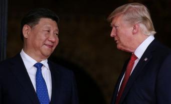 """Китай одним запретом может """"утопить"""" США в куче мусора"""