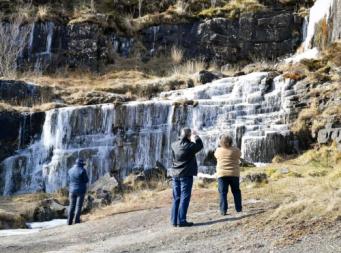 В Великобритании замерзли водопады и приливы