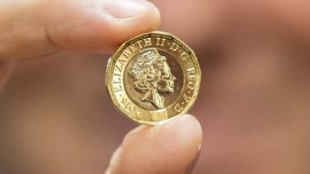 Старый фунт не обесценится после вывода из обращения фото:ft.com