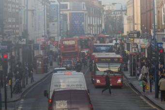 Лондон исчерпал годовой лимит загрязнения воздуха за первые пять дней января фото:theguardian.com
