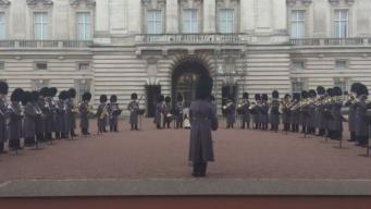 Гвардейцы Букингемского дворца исполнили «Богемскую рапсодию»