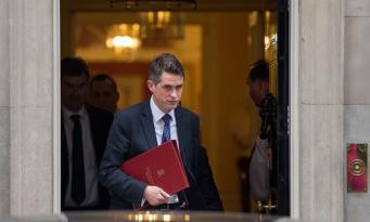 Кабинет министров поддержал Терезу Мэй в «жестком ответе» на химическую атаку в Сирии