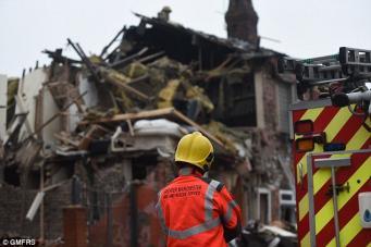 В Манчестере взрывом уничтожены два дома