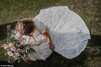 Невеста из Шотландии потеряла антикварное свадебное платье