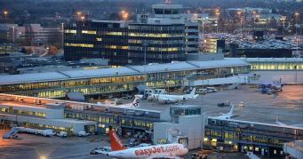 Аэропорт Манчестера закрылся из-за проблемы с заправкой самолетов