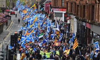 В Глазго прошел марш за независимость Шотландии