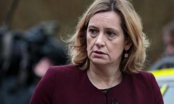 Министр внутренних дел Великобритании подала в отставку