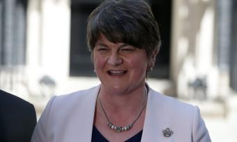 Раскол в коалиции: DUP проголосовала против планов консерваторов