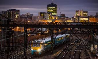 Британские поезда теряют скорость за пределами Лондона фото:theguardian