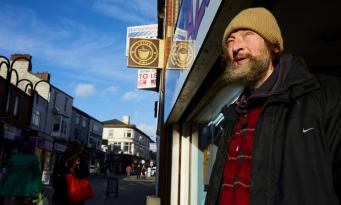 Управа Рочдейла введет штраф за ругань в общественных местах фото:theguardian.com