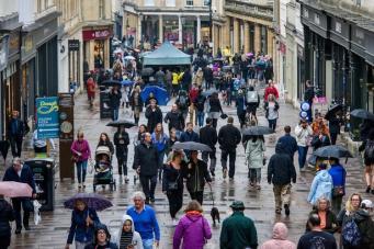 Британское метеобюро отменило оптимистичный прогноз на длинные выходные