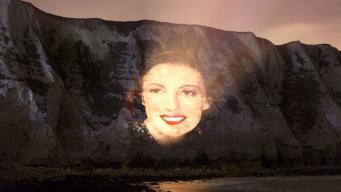 На белом утесе в Дувре появился подсвеченный женский портрет фото:skynews