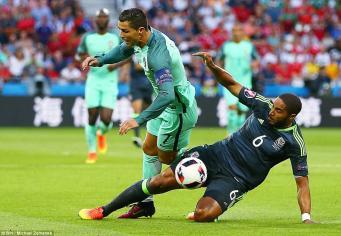 Соединенное королевство потеряло последнюю команду на Евро-2016 фото:dailymail.co.uk