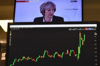Акции британских компаний резко подешевели после программной речи Терезы Мэй