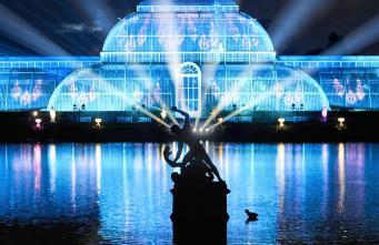 Ботанический сад Kew Gardens открыл сезон зимней иллюминации