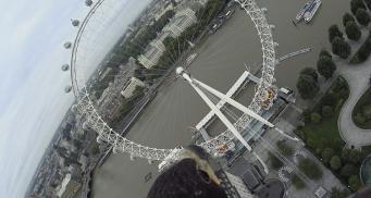 Уникальный ракурс: Лондон показали с высоты птичьего полета