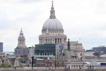 Собору Святого Павла срочно нужны деньги на ремонт колокольни фото:standard.co.uk
